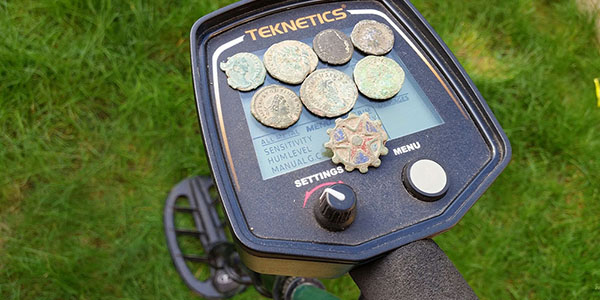 Several finds by Chris Edwards with T2 metal detector by Teknetics